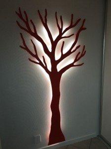 Knagerrække i rød med LED lys