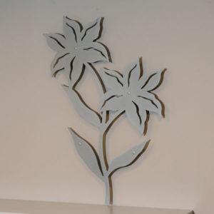 vægpynt lilje i grå